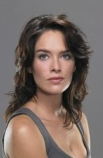 Paget Brewster @ Esprits Criminels    Actrice américaine née le 10 mars 1969 à Concord.
