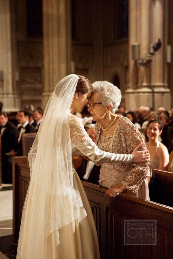 フラワーガールは自慢のおばあちゃん♡海外で見つけた家族愛溢れる感動ウェディング演出*にて紹介している画像