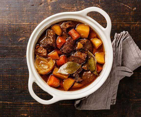 Гуляш из говядины с овощами: простой рецепт