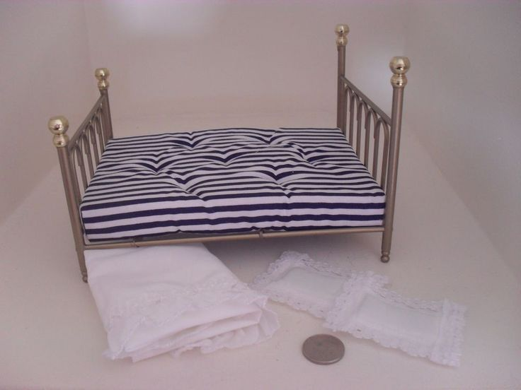 miniature 1 12 scale Victorian brass sprung double bed with mattress and covers