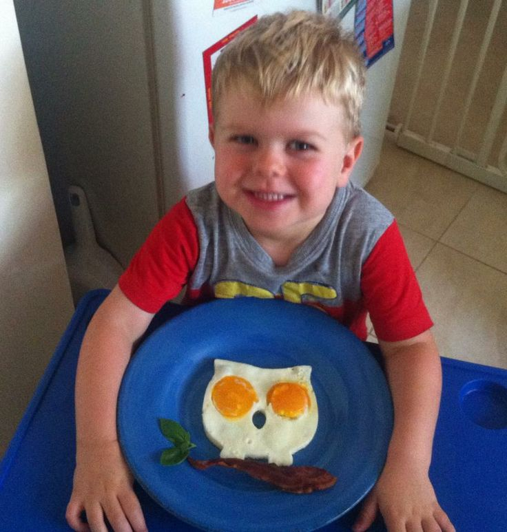 This cute little egg owl was made using this mould from Lime Tree Kids, with pancetta and basil for the tree: http://www.limetreekids.com.au/product-funny-side-up-owl-3727.aspx?gclid=CPrvhNblj78CFQ9wvAodjVAAag