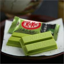 Kit Kat Green tea - haven't seen this before, I'd really like to try it! It looks so weird.