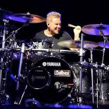 Sami am Schlagzeug ist einfach nur cool.