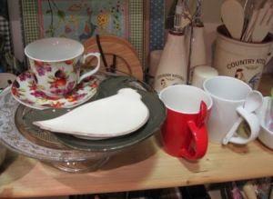 Tazones con cucharilla de porcelana. Pequeñas piezas para tu cocina y mesa.