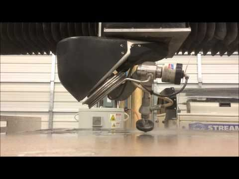 Découpe Jet d'eau 5 axes - YouTube