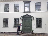 Marie-Louise Fritzén-författare: Råda säteri - 1700-talsbyggnad nära Göteborg.