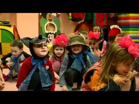 MŠ U Cáchovny - Vánoční besídka 2011 - YouTube