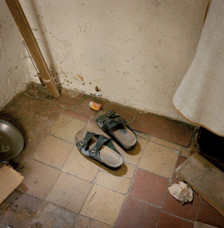 Zapatos de margaret un min sculo cuartucho detr s de la - Zapatos para cocina ...