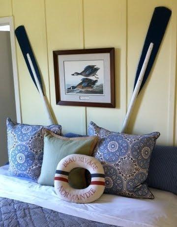 Cute oar idea found at @Completely Coastal