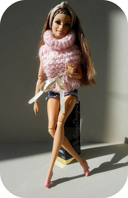 pink sweater for barbie and FR doll