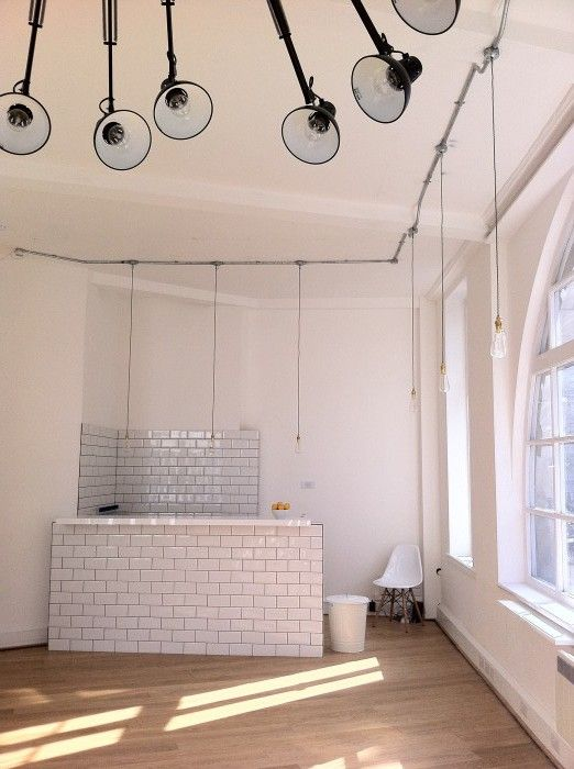 The Soho Colective http://coworkingdesign.com/europe/uk/the-soho-collective-london/