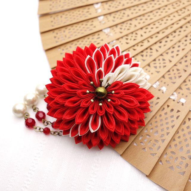 つまみ細工かんざし「和の朱赤-月蝶花」取外せるビーズ下がり付