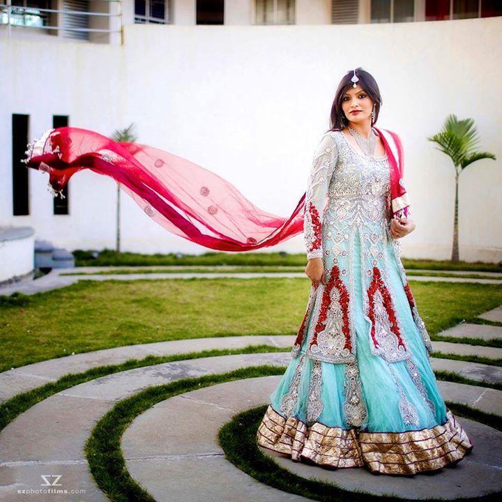 Eid Mubarak and happy weekend folks!  www.szphotofilms.com  #eidmubarak #eid #eid2017 #eidfashion #photography #weddingphotography #fashiontoday #potd #happyweekend #weekendvibes #eidvibes #happyvibes #happyvibesonly #lehenga #lehengacholi #lehanga #weddingtrousseau #szphotofilms #lehengas #twirl #twirling #twirldress #wedmegood #weddingceremony #weddingreception #colors #colours - http://ift.tt/1QuoP3s