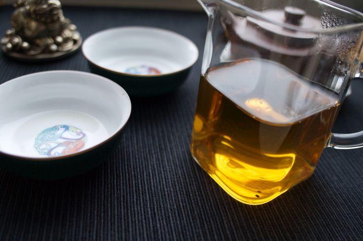 Хорошо подходит под неспешное вечернее чаепитие. Дарит умиротворенное, расслабленное состояние, не зря этот сорт чая всегда был любим буддийскими монахами!: