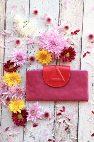 Fuchsia and Scarlet – Renee Loves Frances