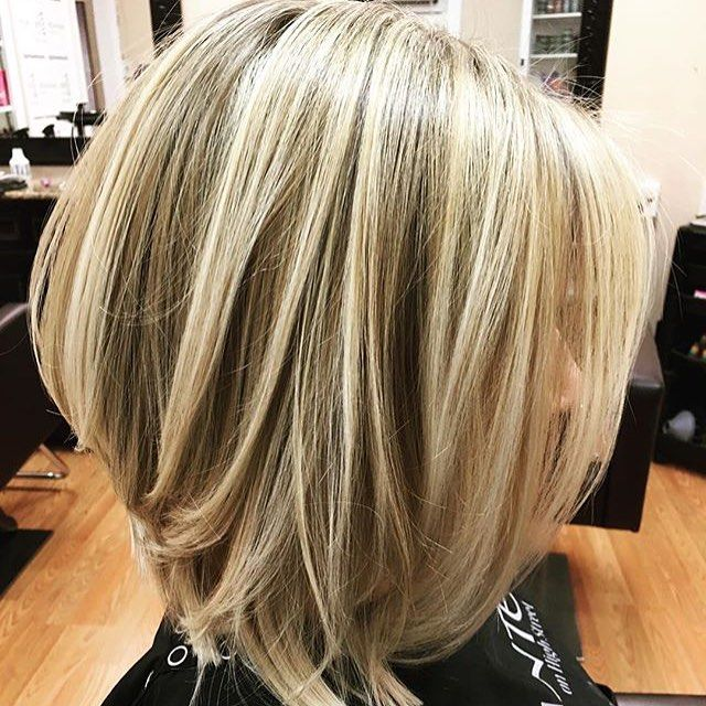 Textured dimensional inverted bob