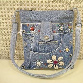 Just about all denim crafts I could imagine ever wanting to make on this one site.