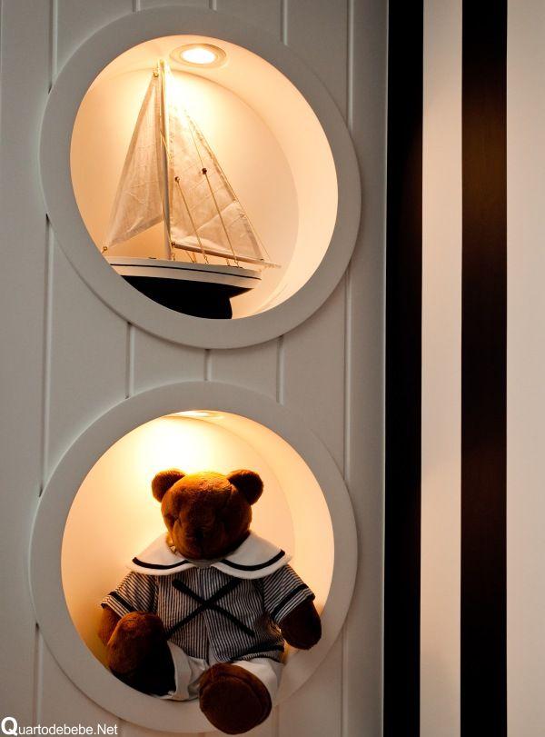 quarto de bebê tema náutico com barco