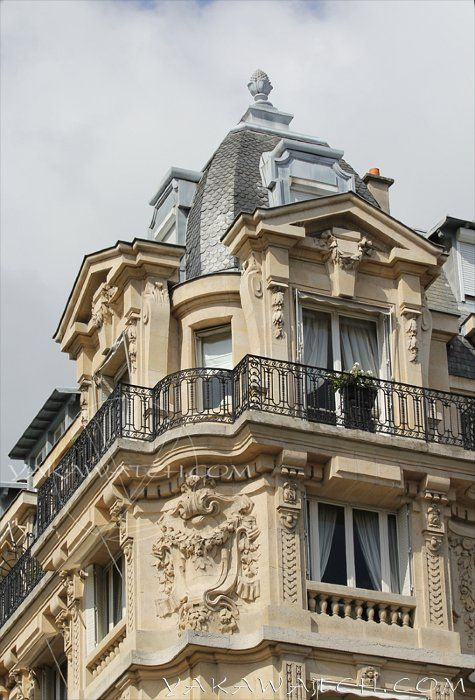 Immeuble Haussmannien #Paris #Architecture ©Photo YakaWatch.com