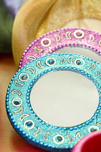 little bejewelled mirrors for table favours