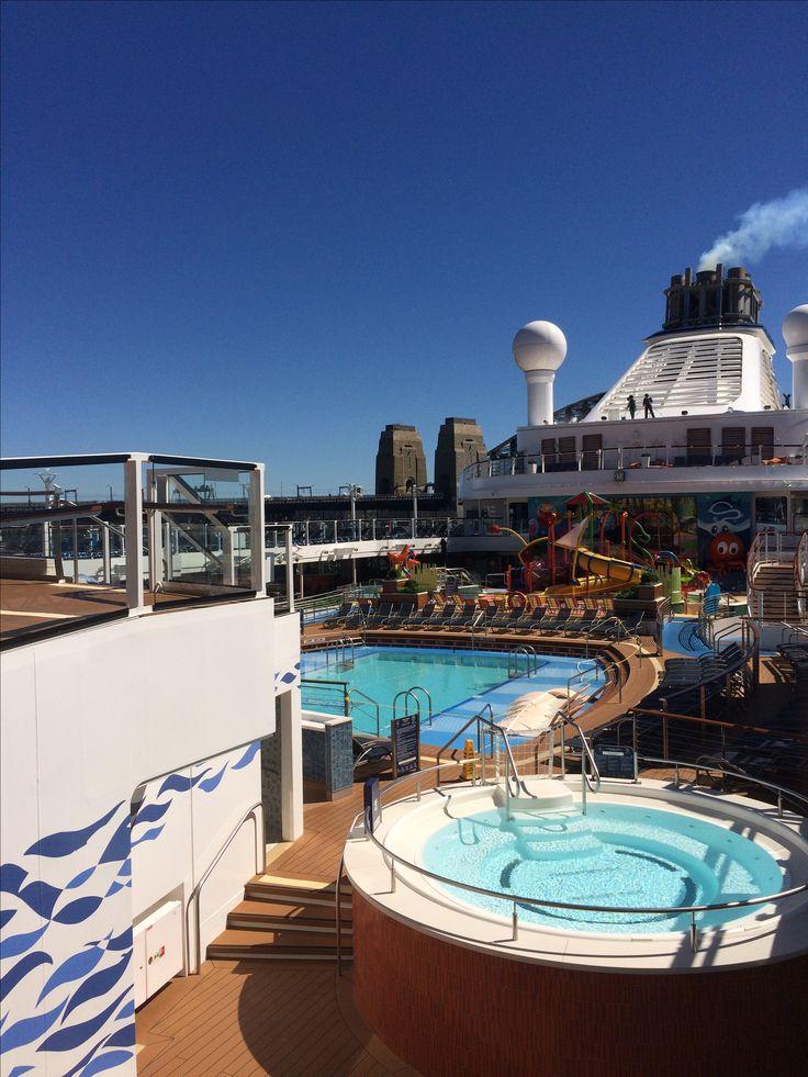 Ovation of the Seas - Main pool area