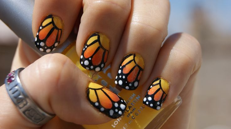 really well done Monarch nails