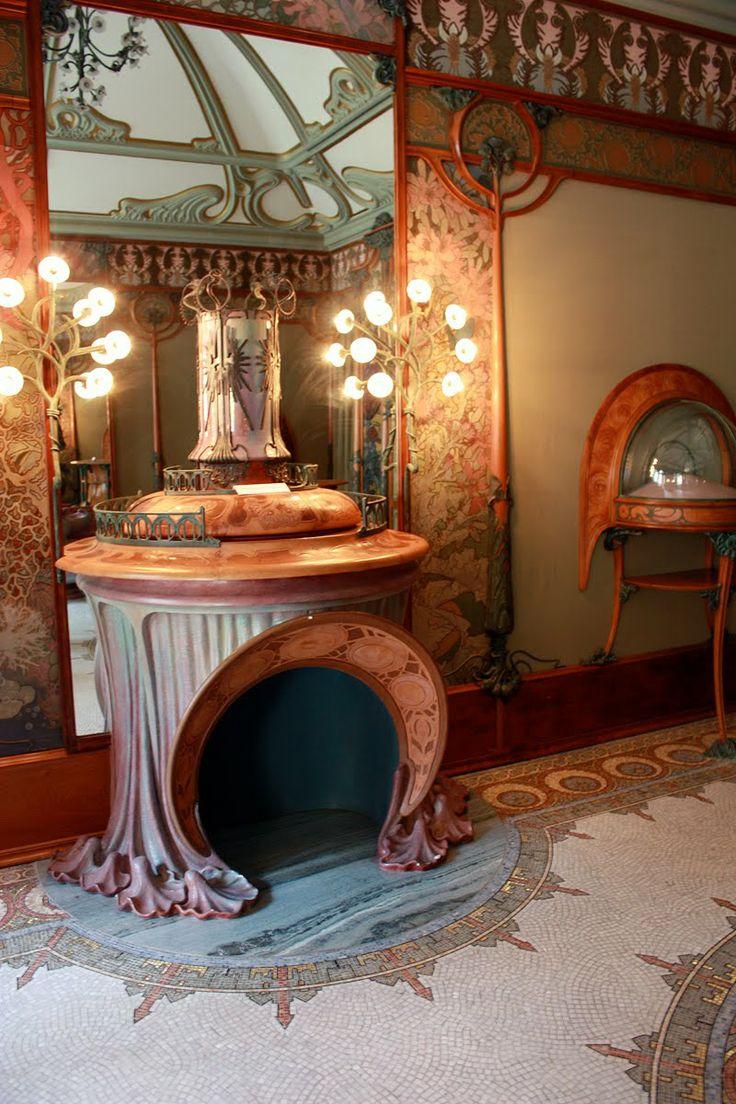 Musée Carnavalet and the Bijouterie of George Fouquet, Art Nouveau.