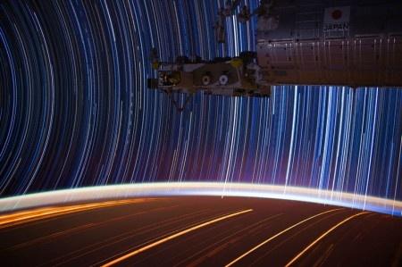 9 фотографий звёздных следов из космоса