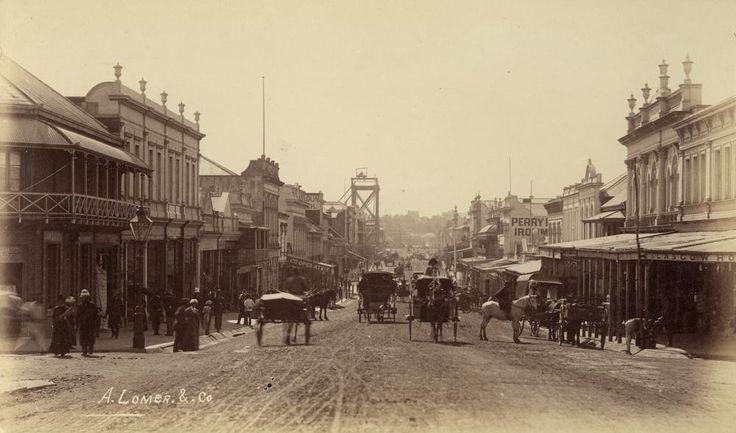 Looking_down_Queen_Street_from_the_Albert_Street_intersection,_Brisbane,_1884.jpg (1000×589)