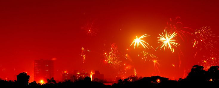 """Diwali in Chennai"" By Soumyajit Pramanick (Flickr: diwali in chennai) (Licensed under CC BY 2.0 via Commons)  Read more: Diwali around the world http://desi-stylebook.com/2015/11/diwali-around-the-world/"