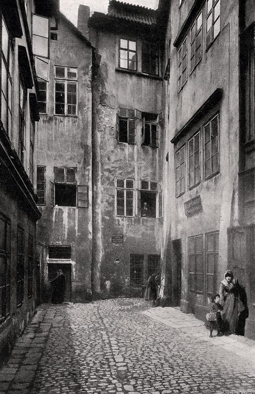 Ghetto in Prague, Czechia - the corner of the Maislovy synagogue and the street of the same name, fot. Henry Eckert (1902)