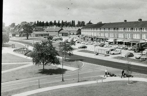 Woodhall Centre Welwyn Garden City (via JR James Archive) http://ift.tt/1TemsiF