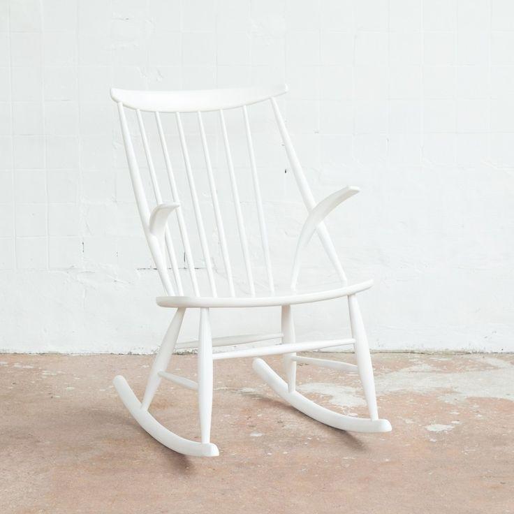 White rocking chair by Illum Wikkelsø for Niels Eilersen
