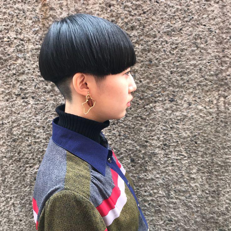 いいね!52件、コメント1件 ― ainico.スタイリストさん(@teppei.j)のInstagramアカウント: 「刈り上げマッシュボブスタイルです! せめたスタイルですが 彼女の雰囲気に似合っていて かなり可愛いく仕上がりました♪ 明日はまだ予約に空きがありますので お時間ある方は…」