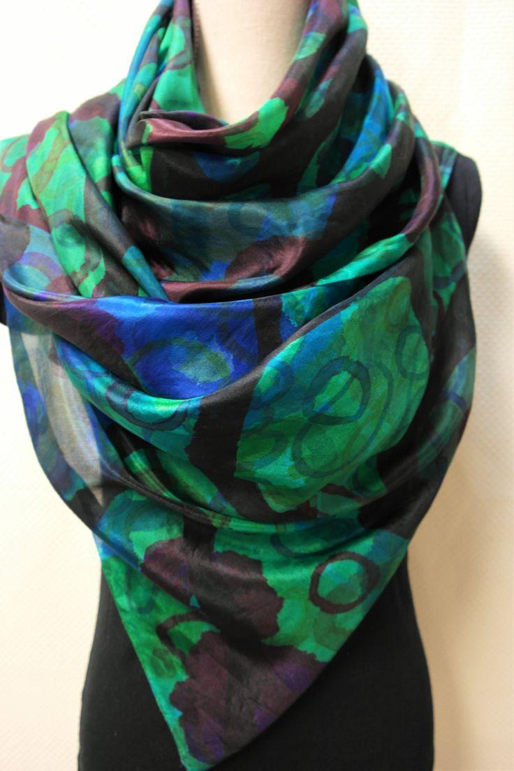 Zijden sjaal voor dames. Blauw, groene, shawl, omslagdoek handgemaakt. door GitaKalishoek op Etsy