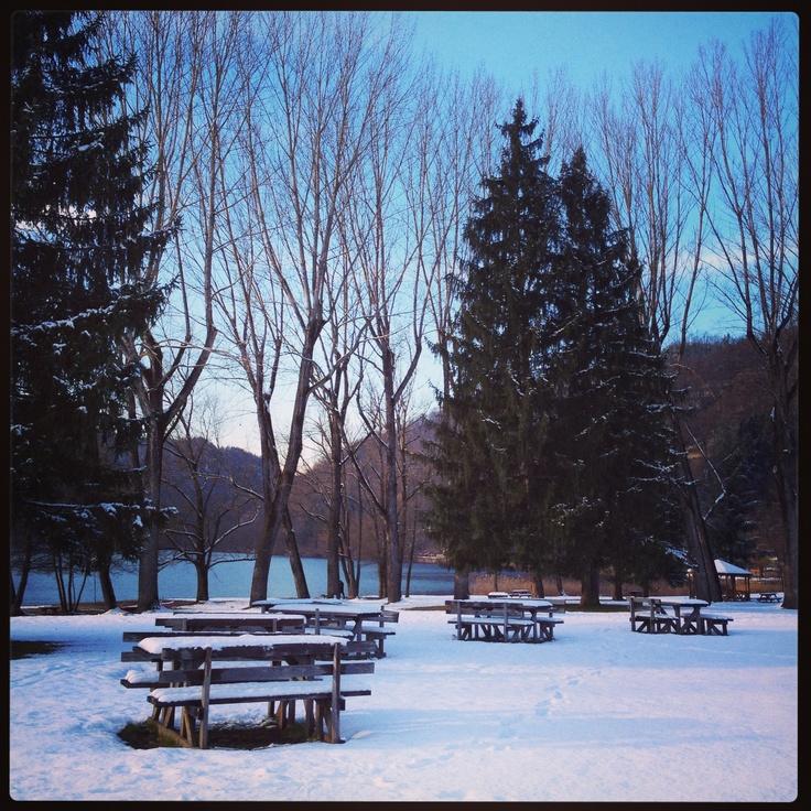 Spiaggia libera - Levico Terme Trentino Italia #valsugana #trentino #lagolevico #winter