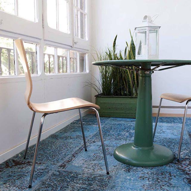 Sinisessä on jotain rauhoittavaa, eikö? Tämä upea patchwork-matto löytyy uudelta www.sukhimatot.com -sivustolta. #Sukhimatot #sisustus #tyyli #sisustaminen #matto #design #sisustusideat #sisustusinspiraatio #interior #decoration #interiorinspiration #inst