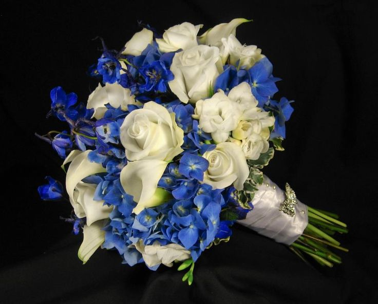 Beautiful dutch blue hydrangea white roses white calla for White and blue flower bouquet