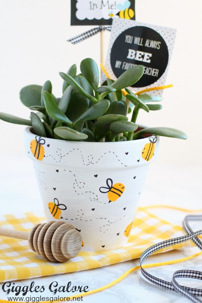 Celebrate the special teachers in your life with an adorable DIY Bee Fingerprint Teacher Appreciation Gift with free printable tags.