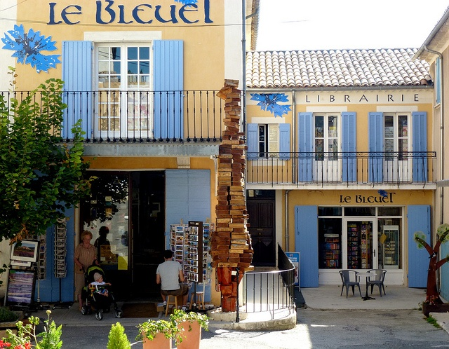Banon (Alpes-de-Haute-Provence) ~ Le Bleuet - one of the most extraordinary bookstores in the southeast of France