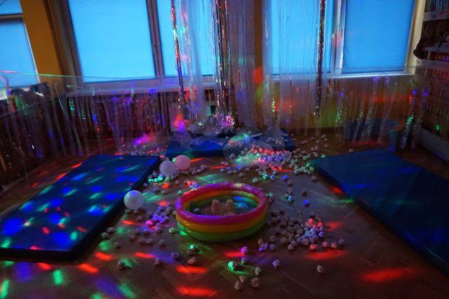 """kreatywnyMaks: Zabawy sensoryczne """" Srebro i biel"""""""