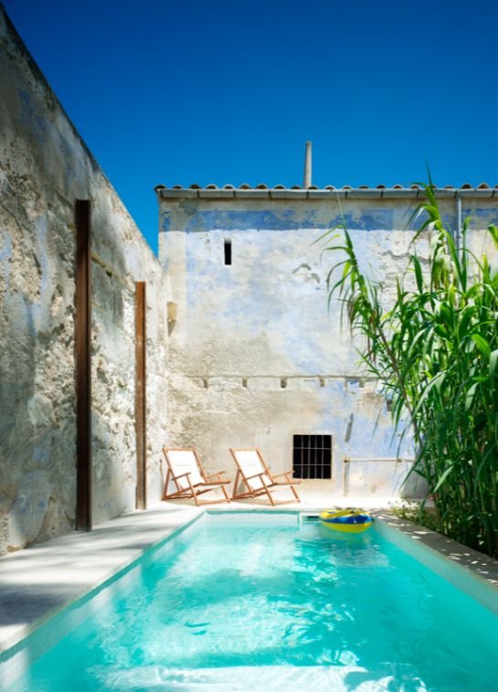 Persiljepalatset (translated: Parsley Palace) Large house for rent on Mallorca's SE coast near Porto Colom in the small town of Felanitx.