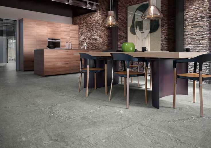 La ceramica di Casalgrande Padana arreda lo spazio della cucina. Sapori, design, cultura si incontrano, creando risultati unici #kitchen #ceramictile #tiles #design #architecture #inspirational