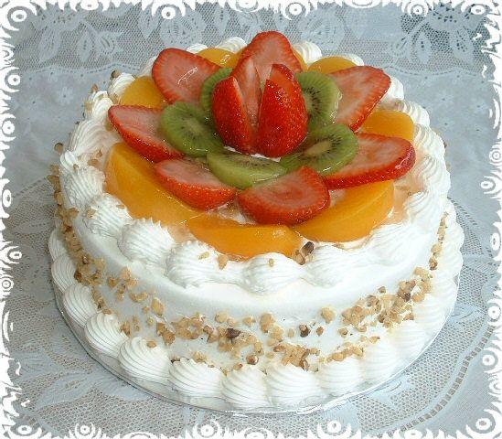 Un pastel ligero y esponjoso bañado en una mezcla de tres tipos de leche.