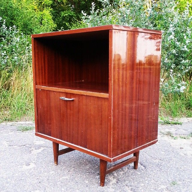 Hello new sunny day ! Szafka telewizyjna Obornickie Fabryki Mebli 1971 rok #vintage #interiors #industrial #design #loft #retro #vintageshop #sklepvintage #poznan #midcenturymodern #midcentury #vintagestyle #70er #70erjahre #70s #lata70te #szafka #cabinet #cupboard #wnętrza #old #antiques #sideboard #schrank #komoda