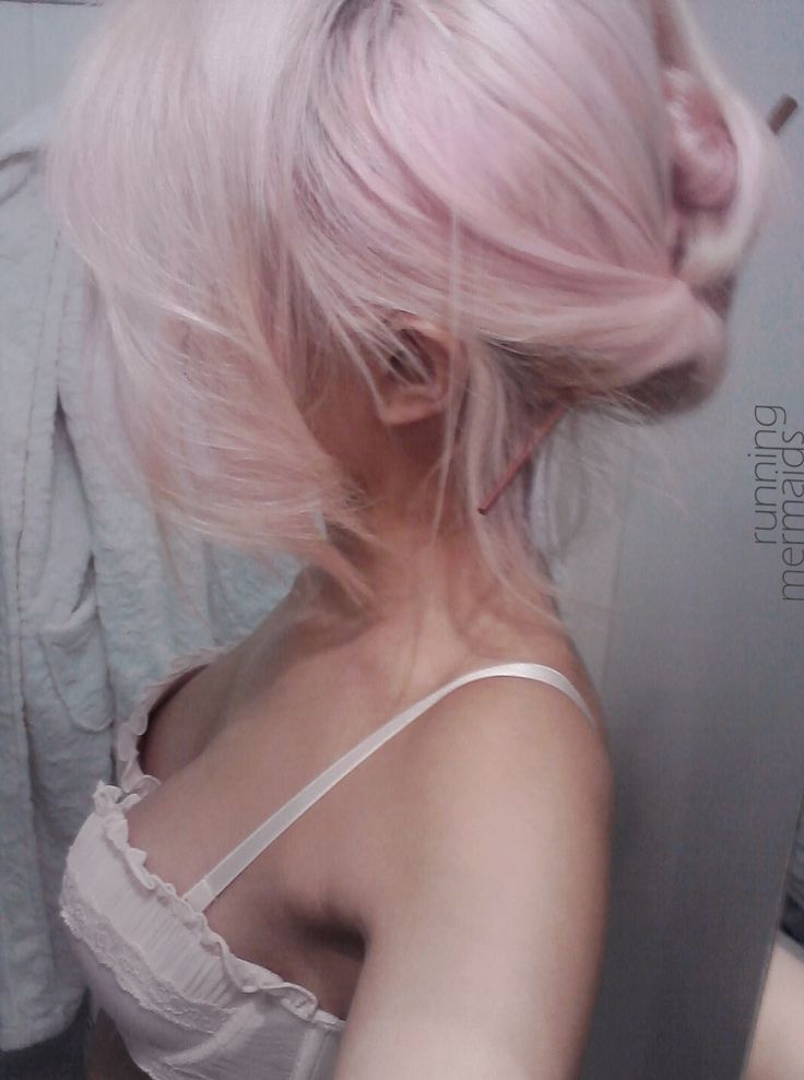 Would I ever be brave enough to do this gorgeous pale pink color!?