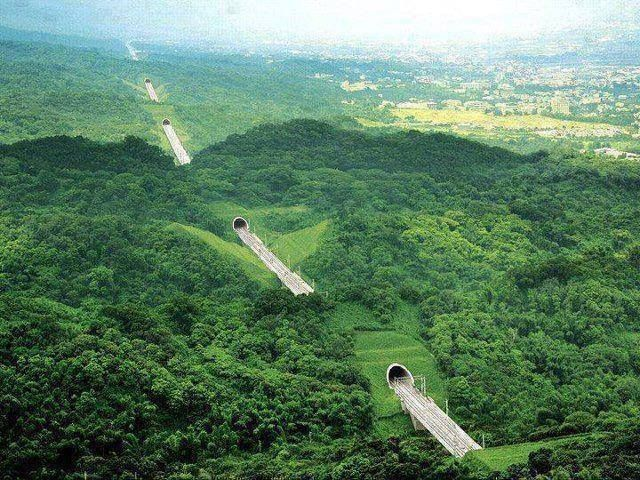 Amazing Tunnels in Taiwan!