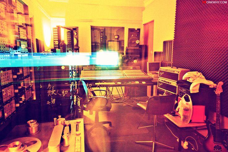 Final Mixdown of the new HUNG Album at BlackBox Studios Brisbane