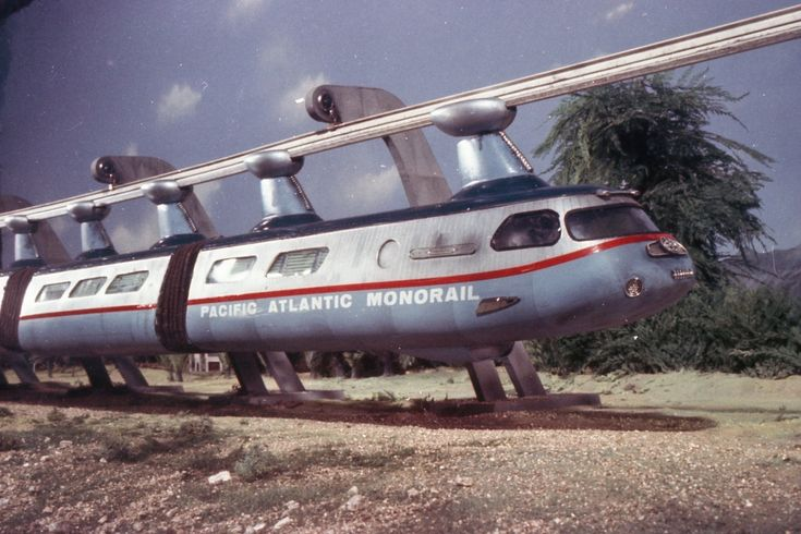 The monorail that we made from Thunderbirds are Go!