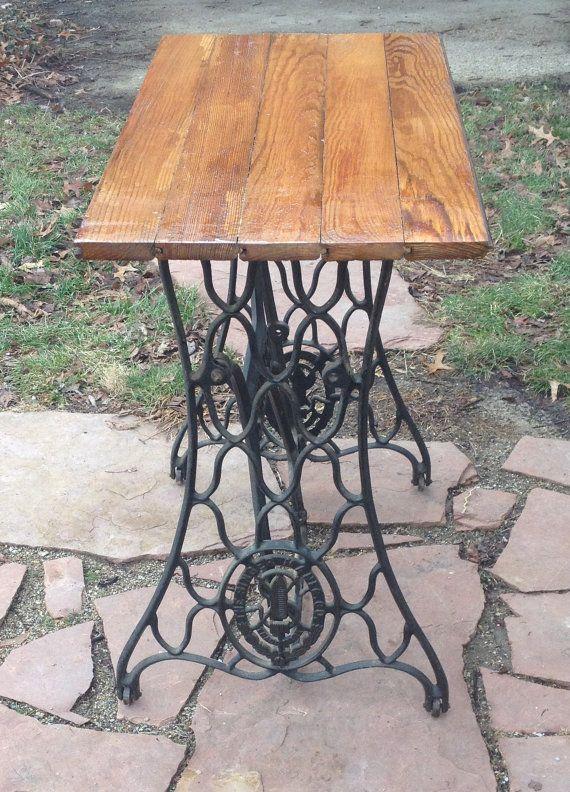 1000 id es sur le th me tables en bois antique sur. Black Bedroom Furniture Sets. Home Design Ideas